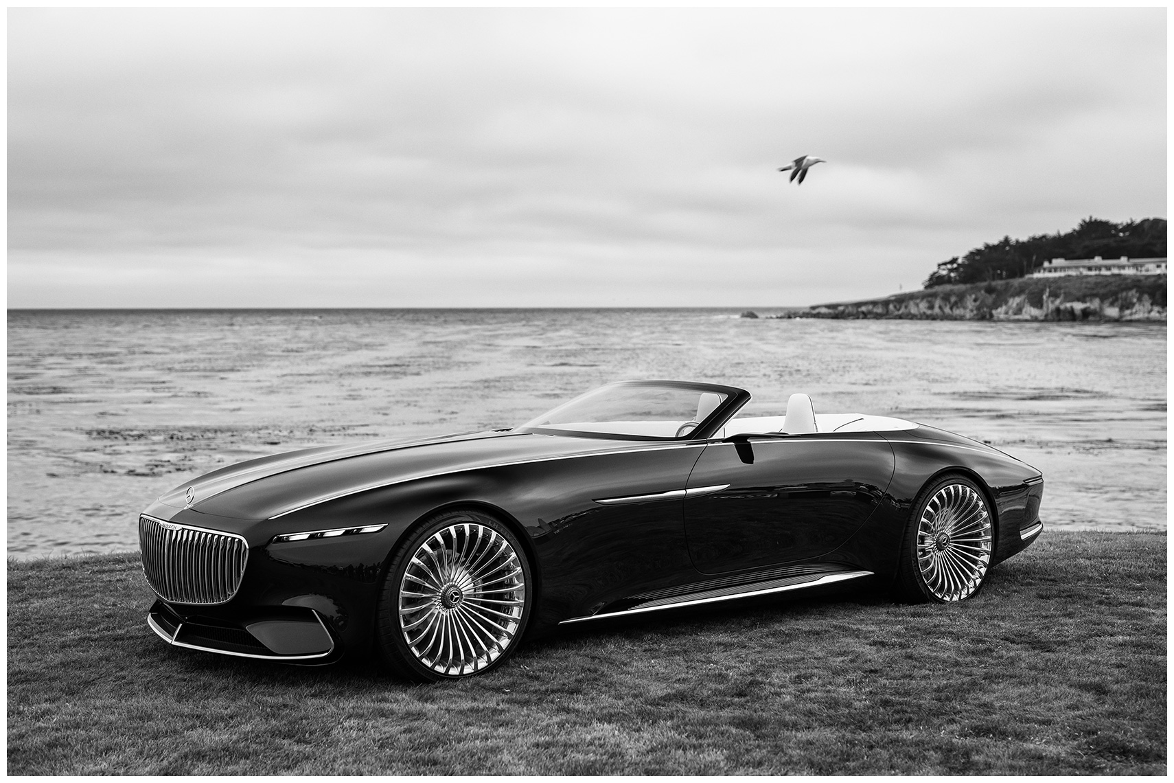 vision 6 cabriolet mercedes-maybach pebble beach black and white car photography