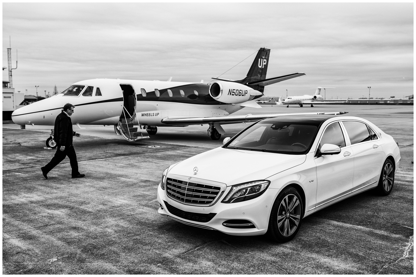mercedes-maybach-wheels-up-tarmac